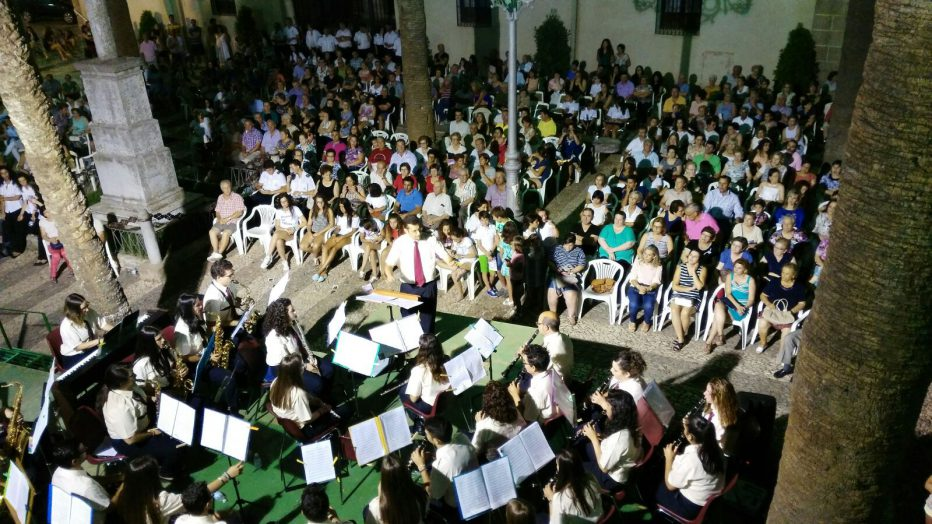 PARA SORPRENDER Y EMOCIONAR XV CONCENTRACIÓN PROVINCIAL DE BANDAS DE MÚSICA